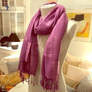 Accessories - Gorgeous violet silk pashmina.